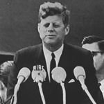 JFK masters the pause - Great Speech Writing